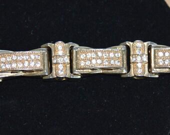 "Pretty Vintage Rhinestone Bracelet, Gold tone, 9"""