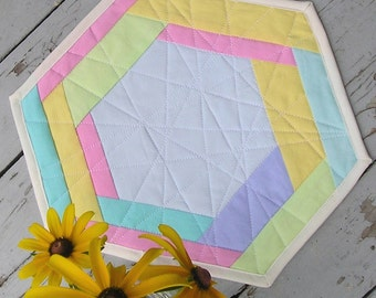 Quilted Hexagon Table Topper / Modern Geometric Table Mat - Pastels