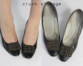 60s Mod Black Pumps 5 / 1960s Vintage Leather Buckle Heels / Midnight Love Heels