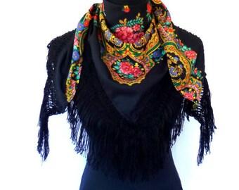 Half Viana's Tradicional folklore scarf Black (triangle shape)