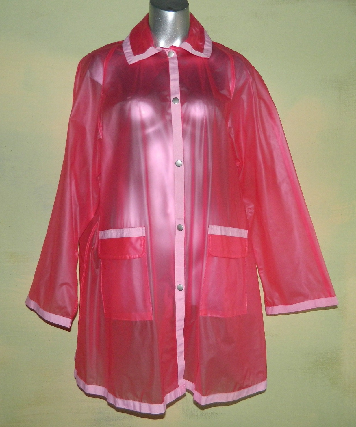 XL Clear Pink Vinyl Rain Coat See Through Jelly Jacket Bubble