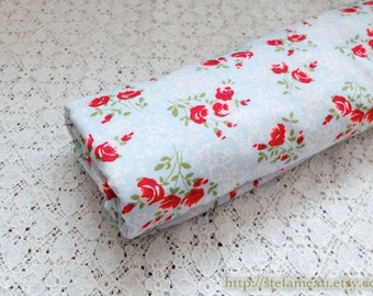 Retro Shabby Chic Red Rose Floral On Blue -  Cotton Fabric (Fat Quarter)