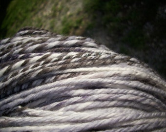 HOLLOWPOINT 260 yds handspun white gray polwarth/silk