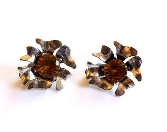 vintage earrings clip on elegant jewelry