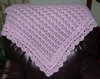 Heirloom Lace Blanket Pink