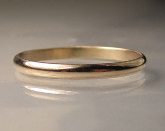 Women's Gold Wedding Band, 2mm recycled 14k Gold Ring, Eco Friendly Band