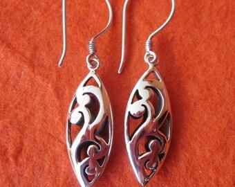 Balinese Sterling Silver dangle Earrings / 1.6 inch long / silver 925  / Bali Handmade Jewelry