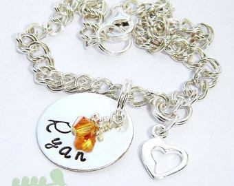 Mommy charm bracelet - Handstamped name bracelet - One name  with open heart charm bracelet