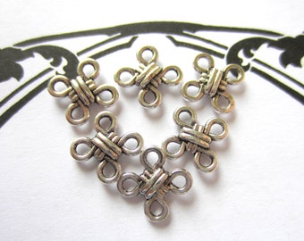 16 Antique silver connectors knotted jewelry charms pendants 10mm x 10mm x 3mm  K091-SR8-4