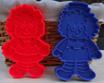 Vintage Raggedy Ann and Andy Cookie Cutters / Bobbs Merrill