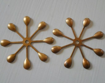 Vintage Oxidized Brass Flower Findings 39mm