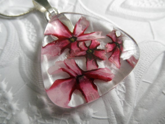 Red-Pink Pinwheel Verbena Glass Pendant-Your Choice of Rectangle, Square or Triangle-Gifts Under 25-Nature's Wearable Art