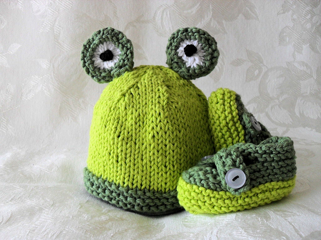 Knitting Pattern For Frog Hat : Knitted Froggy Baby Hat Cotton Knit Frog Hat by CottonPickings