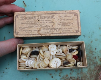 Antique Box with Buttons mostly Mother of Pearl VINTAGE by Plantdreaming