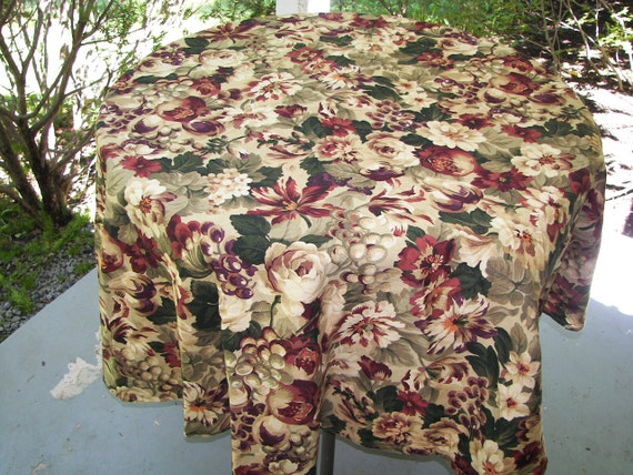 Burgundy Tablecloth Car Interior Design