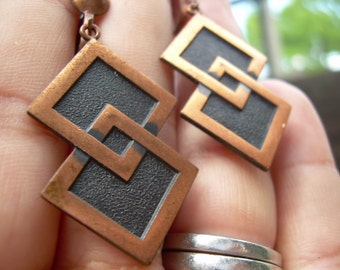 Vintage modernist abstract copper screw back earrings