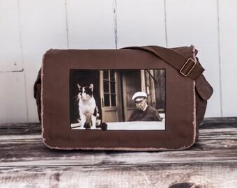 Old Man and the Sea Cat - Messenger Bag - School Bag - Java Brown - Canvas Bag - Ernest Hemingway