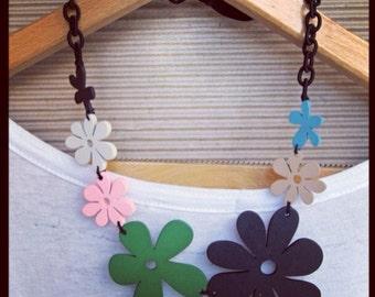 Retro Wooden Flower Necklace