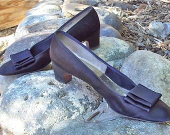 Designer Shoes Black Satin Low Heels Vintage Beth