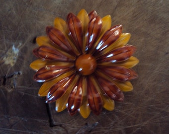 Big Vintage Golden Ochre and Cinnamon Brown FLOWER POWER Enamel 1960s Brooch Pin