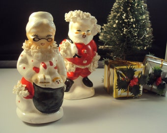 Vintage 1950s Napco number 5920 Santa and Mrs. Claus Spaghetti Christmas Salt and Pepper Shakers