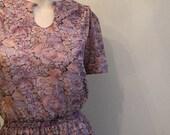 vintage. 70s Purple Floral Short Dress / S to M
