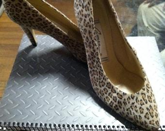 Vintage Leopard print suede pumps Caressa 6.5