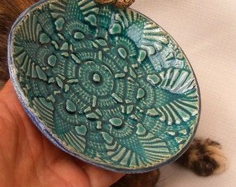 Fun Turquoise Crochet Like Small Plate with a Pair of Miniature Owls No.4