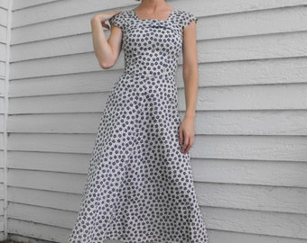 Vintage 50s Novelty Print Dress Asian Lantern 1950s White Blue XXS 22 waist
