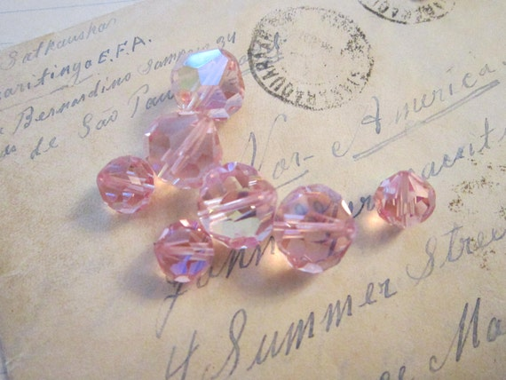 SALE - 8 faceted glass beads - PINK mix