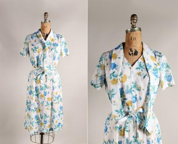 vintage 70s dress - rose print day dress - gold & blue - size Medium Large - short sleeves