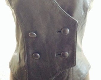 Awesome vintage black leather vest fitted fashion motorcycle coat by VAKKO size xs