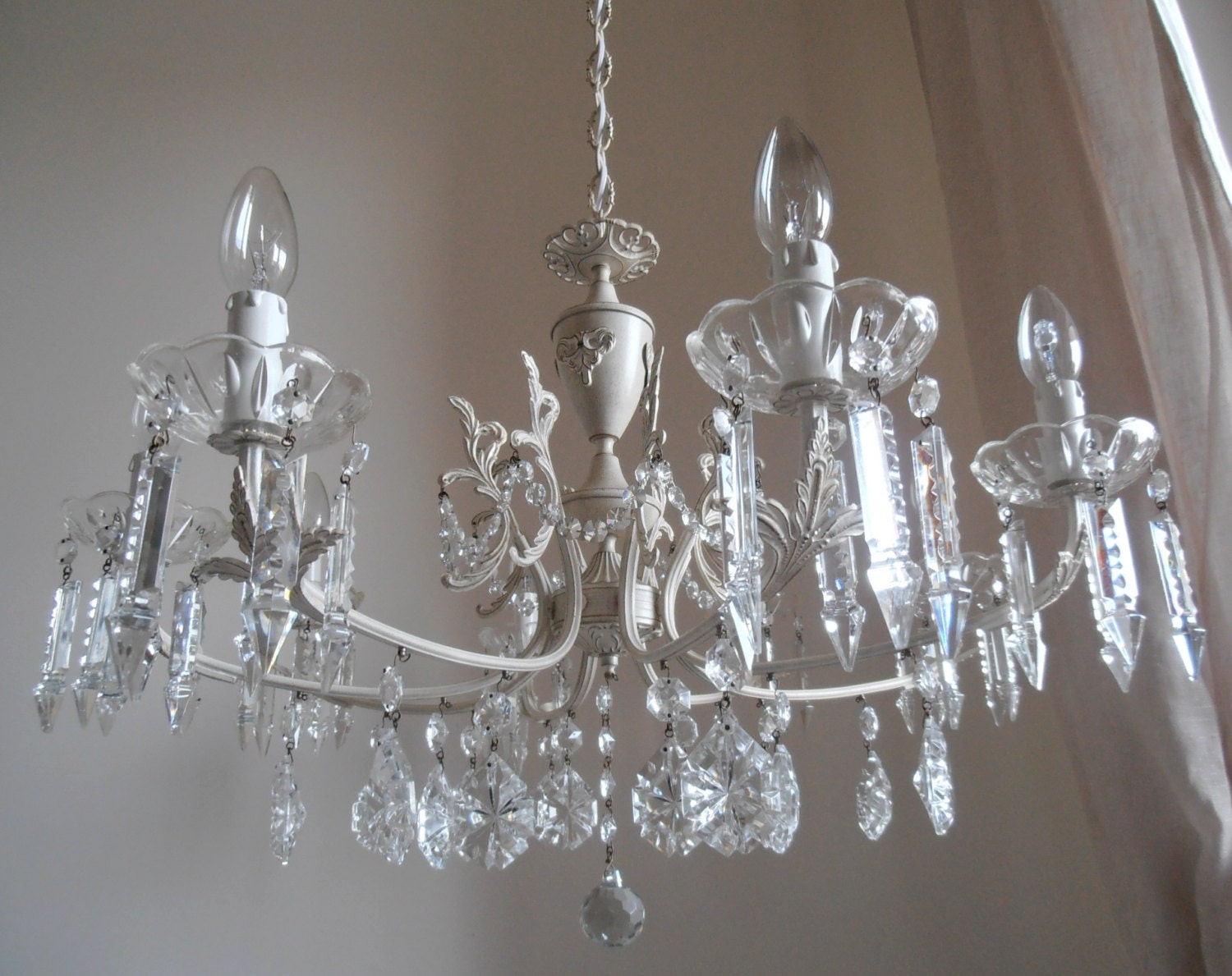 shabby chic chandelier 8 arms crystal chandelier cream. Black Bedroom Furniture Sets. Home Design Ideas