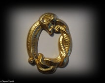 1 Hissing Snake Wrapped Pendants Brass Charms Stamping Embellishment Jewelry Findings (A-14)