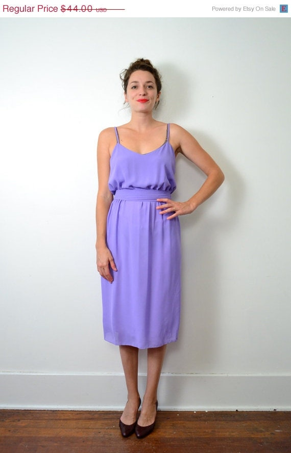 35% Off // Moving Sale // 1970s Lilac Flowing Dress // Small // Medium