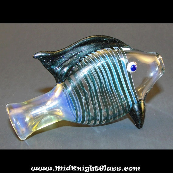 Blue sparkle fish bat silver fumed color by midknightglass for Glass fish pipe