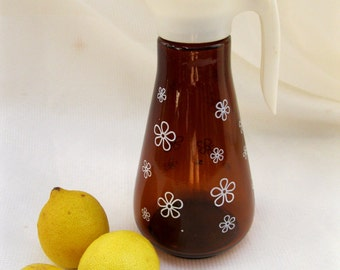 vintage midcentury pitcher.atomic.daisies.amber.lid.white.syrup.tessiemay