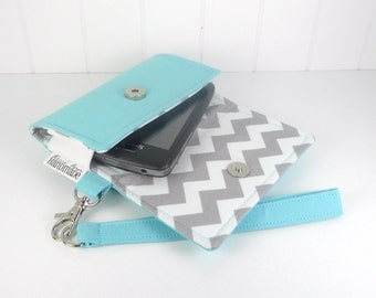The Errand Runner Cell Phone Wallet, Wristlet for iPhone/Galaxy - Aqua/Chevron in Gray