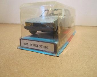 """Vintage jet-car de """" NOREV """" """"# 857 REUGEOT 604 1/43 made in France"""