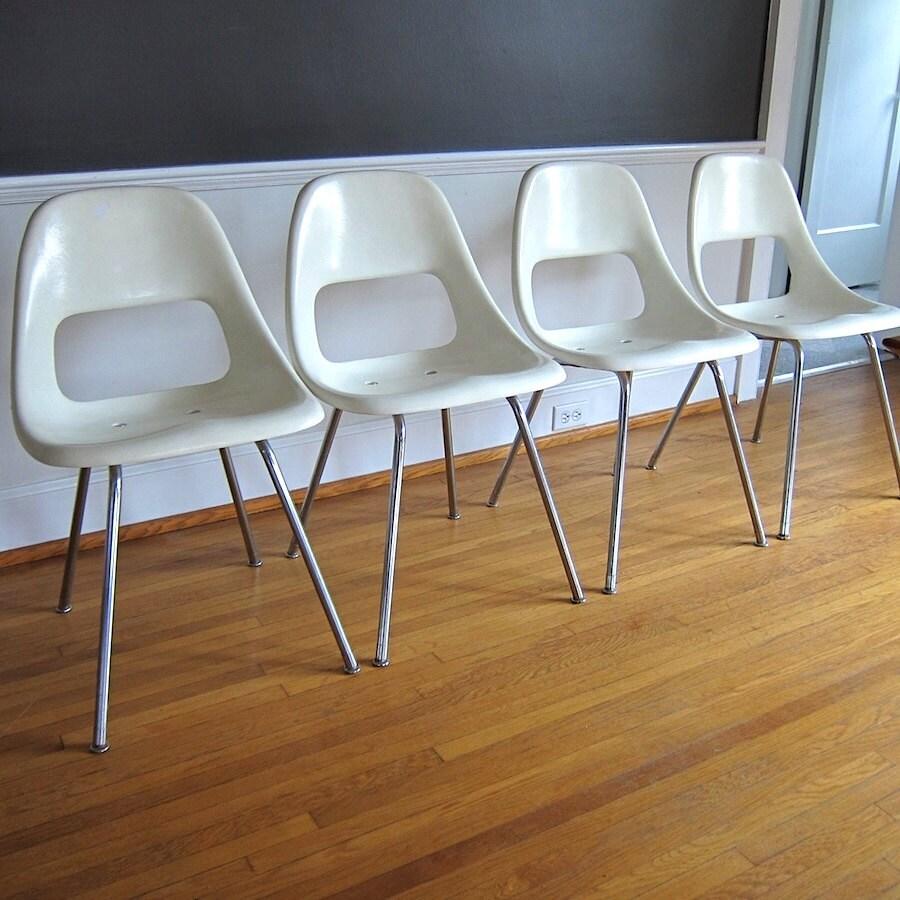 Set of Four White Fiberglass Chairs by BarkingSandsVintage