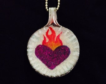 Sacred Heart - spoon necklace - purple/white