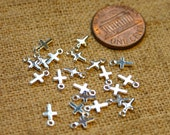 24pcs Metal Cross Charms Drops Silver Plated Brass 5.5x4mm