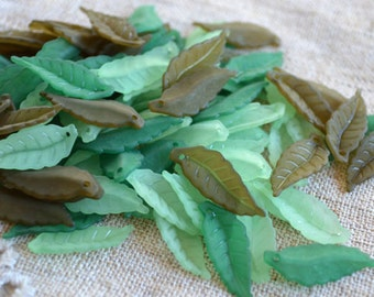 120pcs Acrylic  Lucite Leaves Mix 26x10mm Frosted Olive Green Light Green