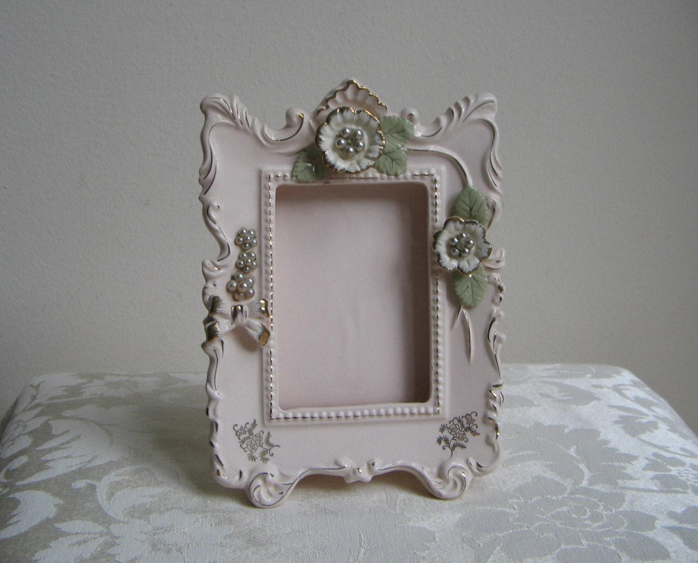 vintage ceramic picture frame by thames hand painted pale. Black Bedroom Furniture Sets. Home Design Ideas