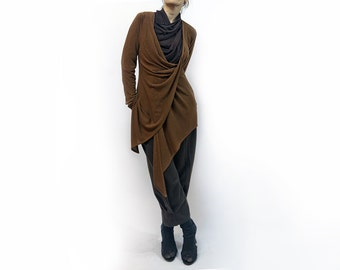 jacket, blouse, brown jacket, brown blouse,knitted blouse,long sleeves,original blouse,soft blouse,autumn blouse,suit,fall trend  Model J-12
