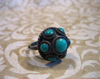 Vintage Sterling Etruscan Dome Ring w Turquoise Stones