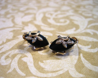 Vintage 10K Gold Black Onyx w Diamond Chip Earrings