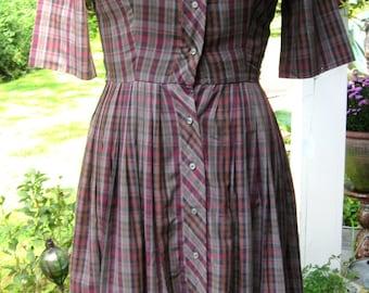 Teacher Dress 50s  / Plaid Big Skirt Dress /  Punk it up / Rockabilly Big Skirt  / Mrs. Cleaver Look