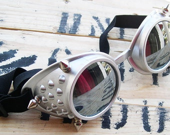 STEAMPUNK GOGGLES-Silver Basic Steampunk Cyber Rave Welders Style Riding Clubbing Goggles w/Spikes and Mirrored Lenses