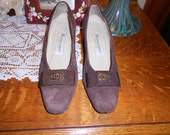 SALE  Vintage womens shoes size 8 M Etienne Aigner Chocolate Brown Suede Gorgeous